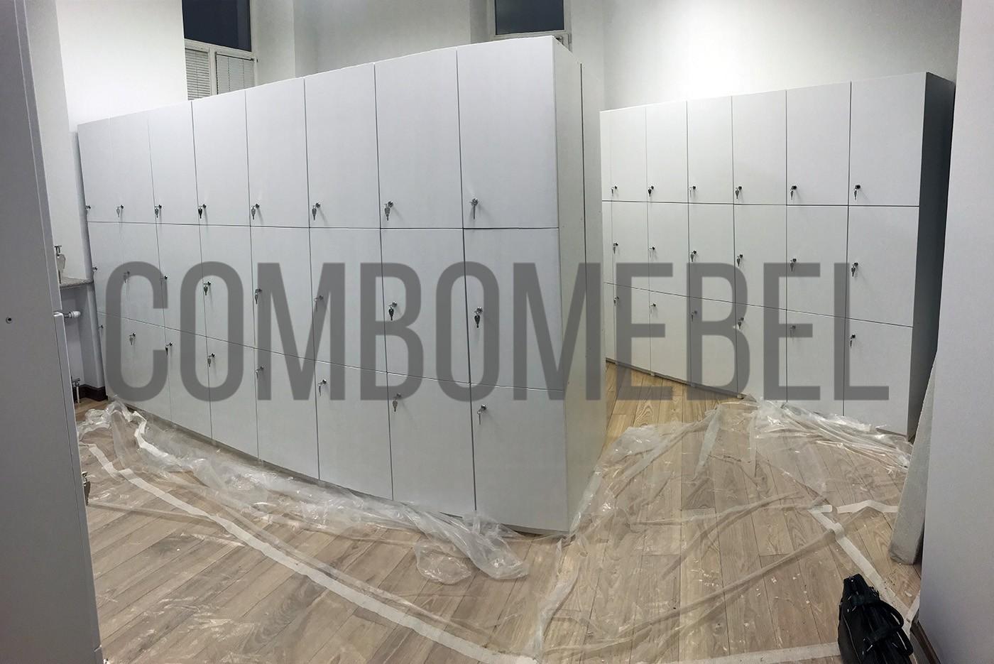 типовые шкафчики для фитнеса из ЛДСП для студии растяжки в Москве