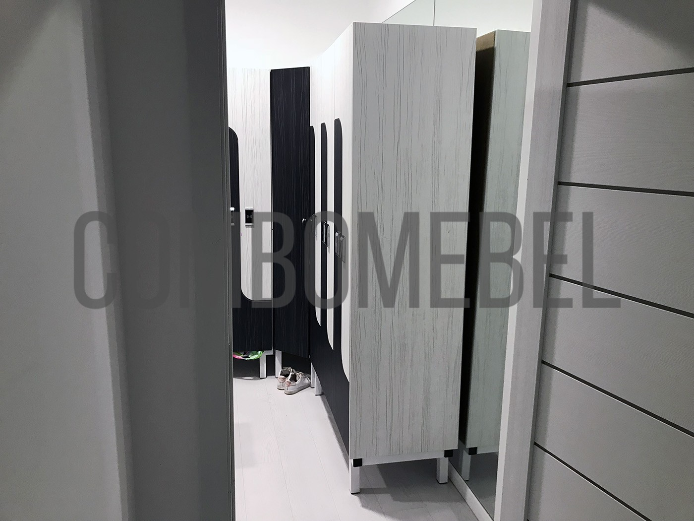 декоративная фальш-панель для раздевальных шкафов раздевалки таневальной студии в Москве