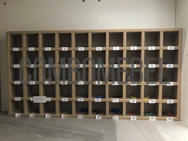 Шкаф для ключей с ячейками