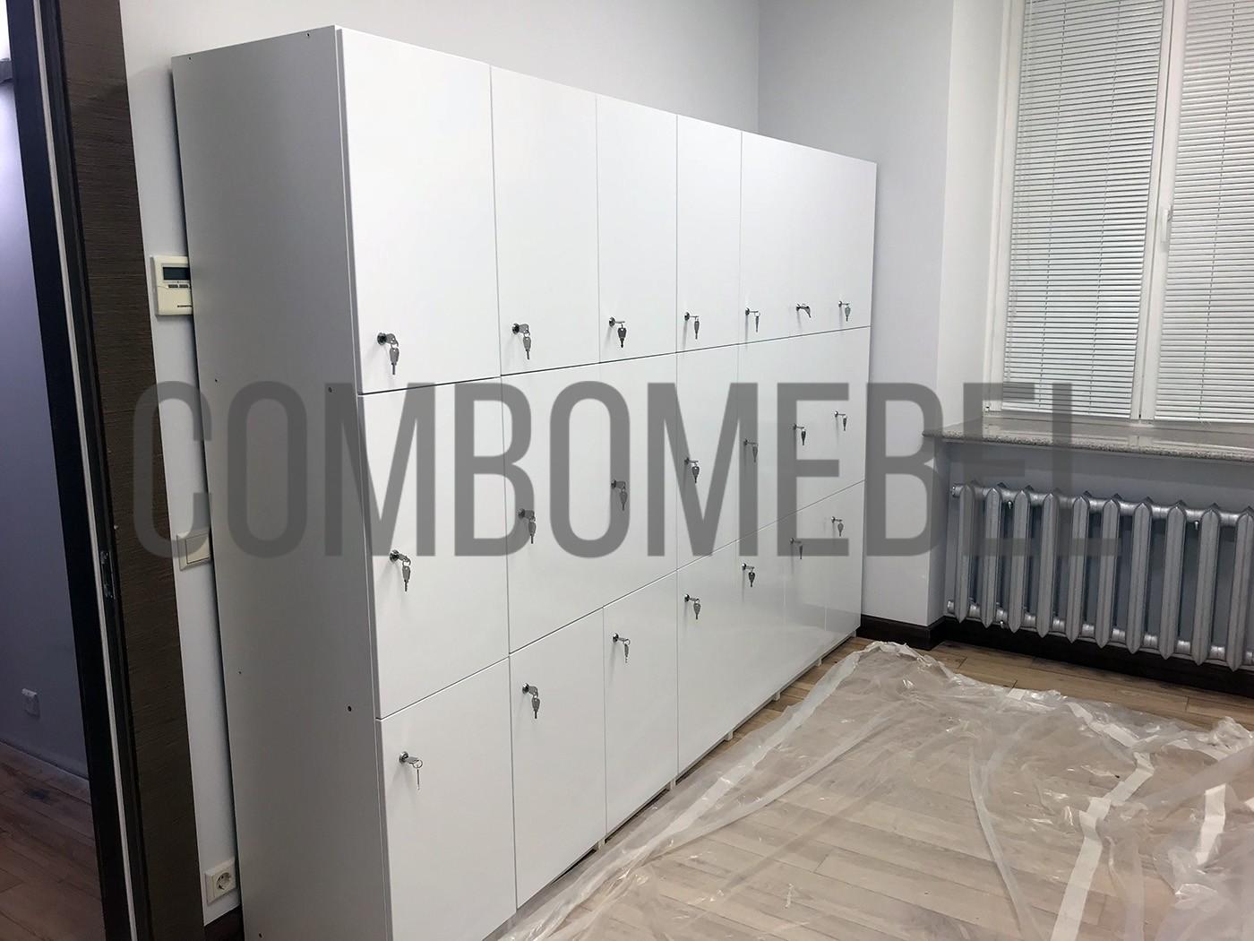 глянцевые шкафчики для фитнеса на заказ в Москве