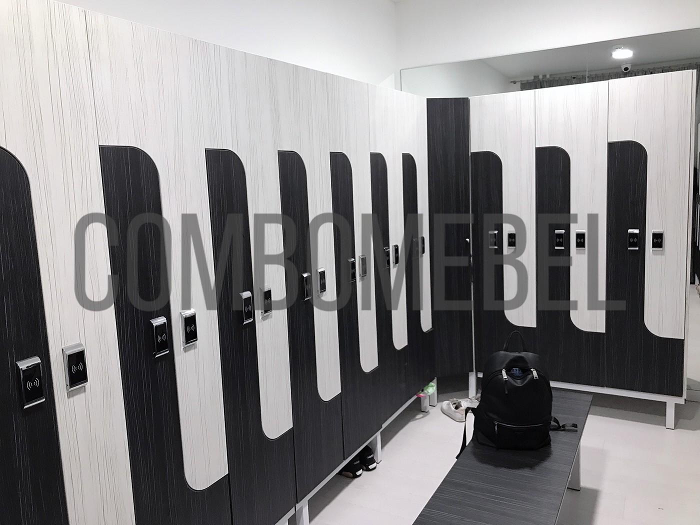 Шкафы раздевальные по индивидуальному проекту для раздевалки спортивной студии