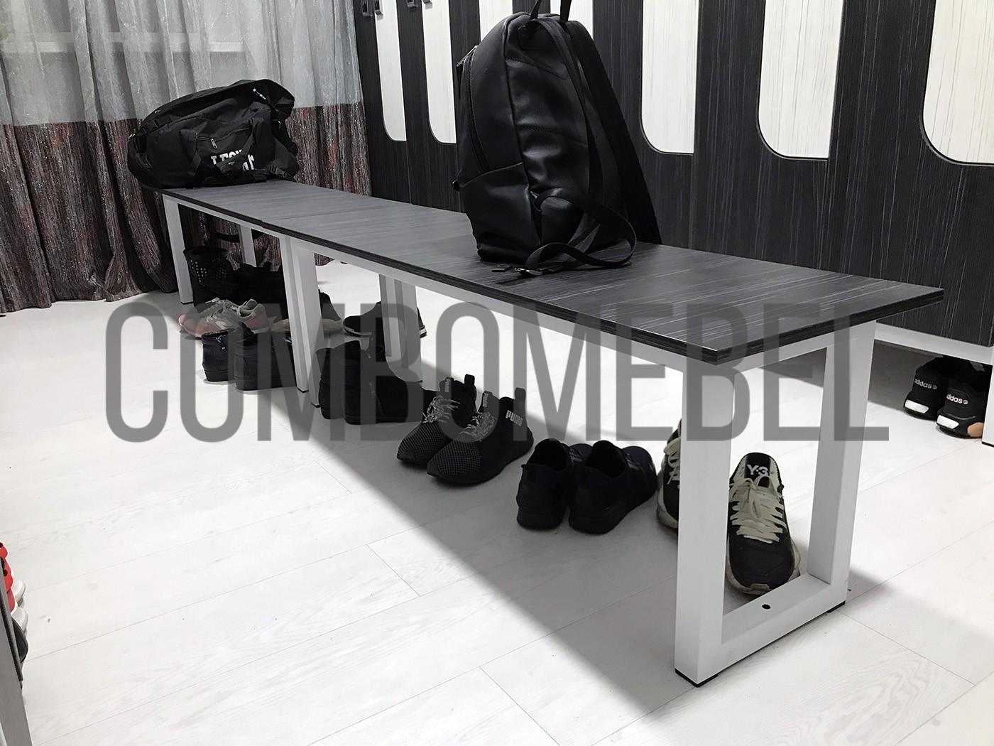 скамейка для спортивной раздевалки на белом металлическом каркасе с креплением к полу